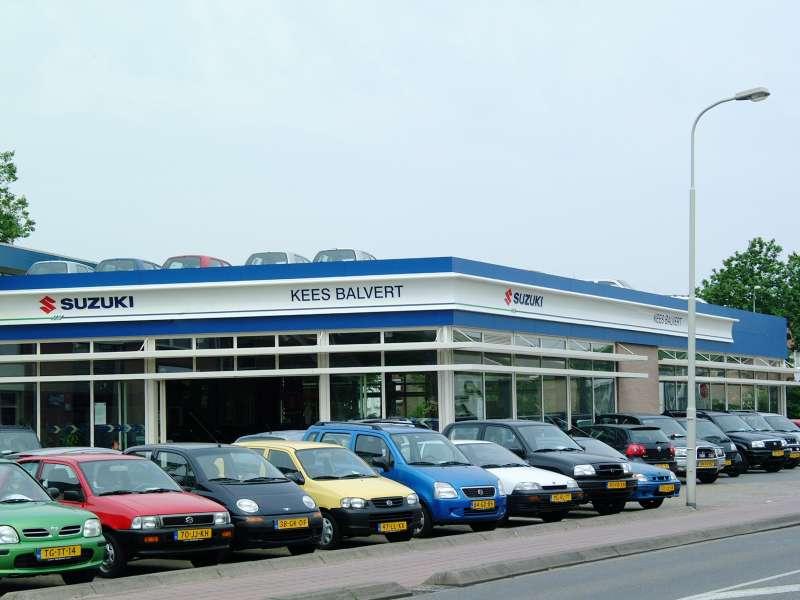 Uitbreiding werkplaats autoshowroom