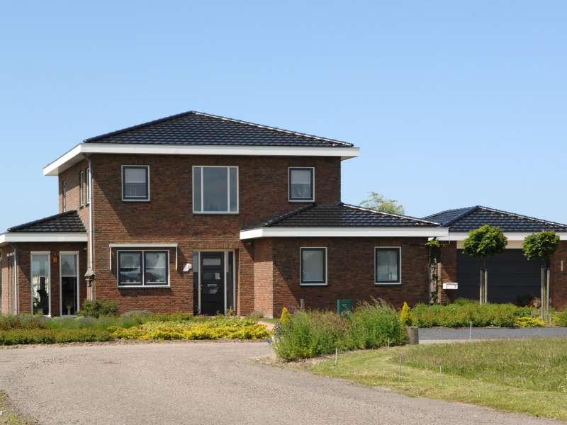 Tijdloze villa met ruim opgezette begane grond