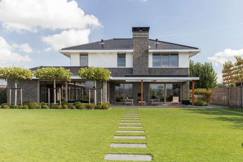 Statige modern-klassieke villa